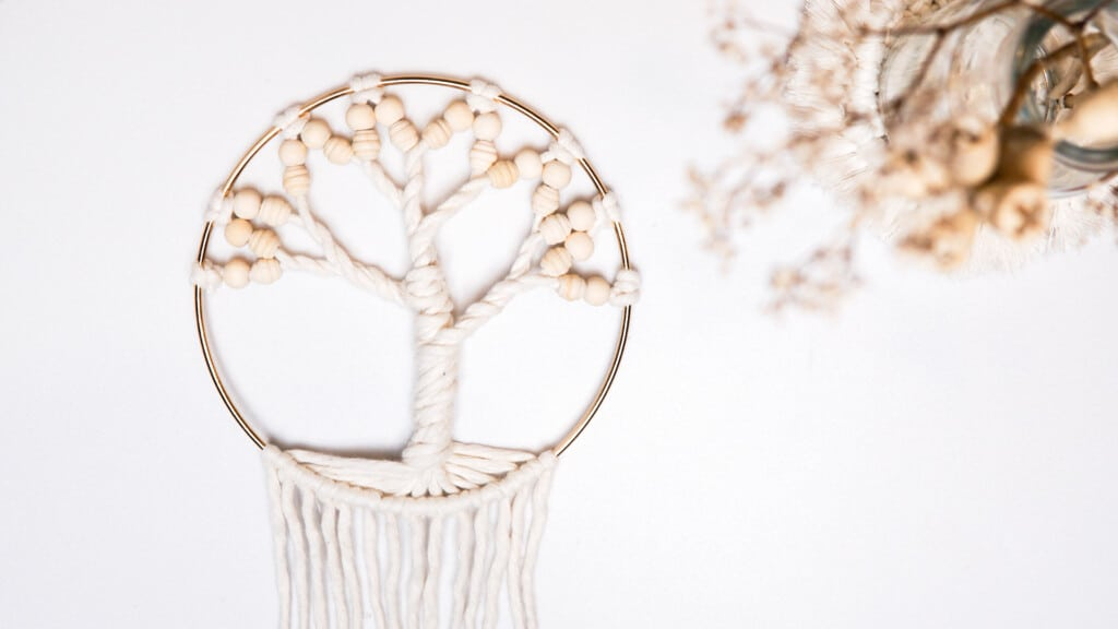 Baum des Lebens basteln im Ring Makramee